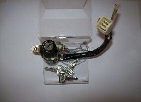 Contacteur a clef BOP 80 tres rare  d'origine Yamaha